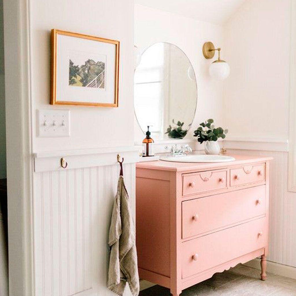 14 baños de color rosa
