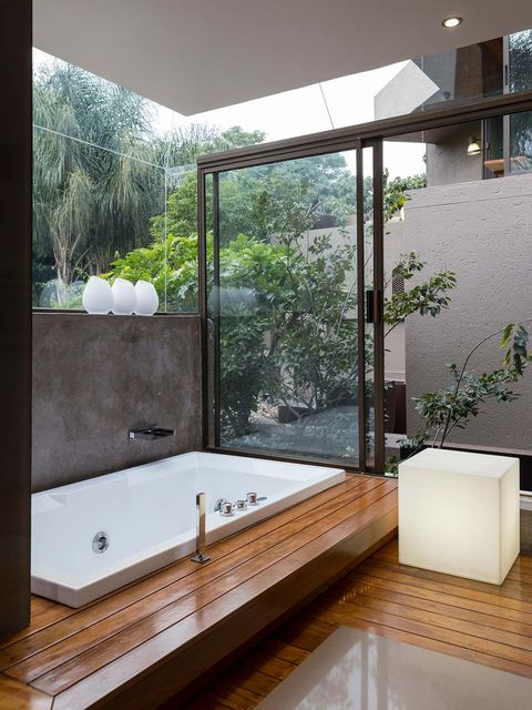 Bathroom, Property, Room, Bathtub, Interior design, Architecture, Tap, House, Plumbing fixture, Building,