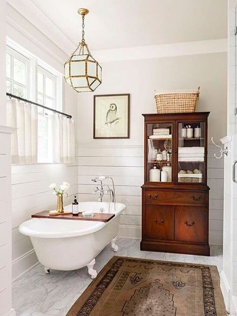 Wood, Room, Plumbing fixture, Interior design, Floor, Property, Bathroom sink, Flooring, Wall, Tile,