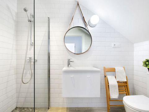 Bathroom, Room, Property, Tile, Interior design, Floor, Wall, Plumbing fixture, Architecture, Tap,
