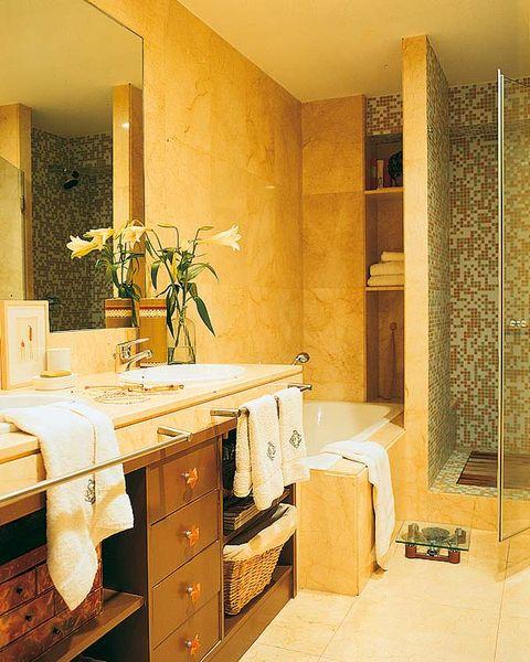C mo aprovechar mejor el espacio de tu ba o for Banos 2 lavabos