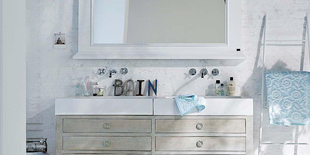 C mo decorar el ba o en blanco y con encanto - Como decorar un bano blanco ...
