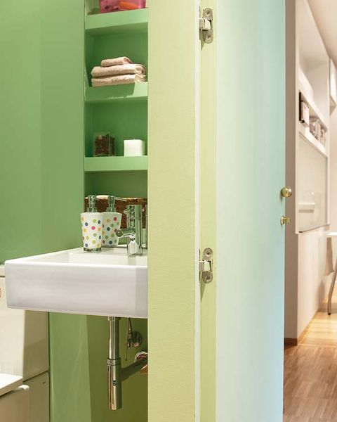 Bathroom, Green, Room, Shelf, Property, Bathroom cabinet, Yellow, Bathroom accessory, Wall, Interior design,