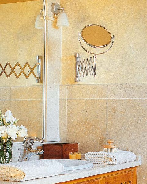 Room, Wall, Interior design, Serveware, Dishware, Light fixture, Bouquet, Interior design, Centrepiece, Tile,