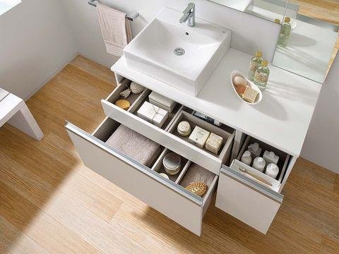 Wood, Bathroom sink, Floor, Hardwood, Plumbing fixture, Flooring, Interior design, Wood stain, Tap, Wood flooring,