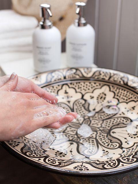 Fluid, Liquid, Dishware, Bottle, Serveware, Plastic bottle, Porcelain, Plate, Ceramic, Pottery,