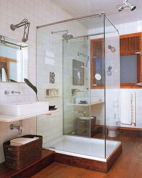 baño moderno con cabina de ducha