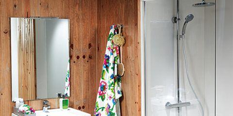 Room, Floor, Interior design, Wall, Flooring, Fixture, Cabinetry, Shower head, Household supply, Hardwood,