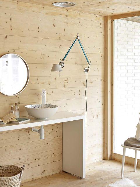 Plumbing fixture, Room, Bathroom sink, Interior design, Property, Wall, Floor, Tap, Tile, Flooring,