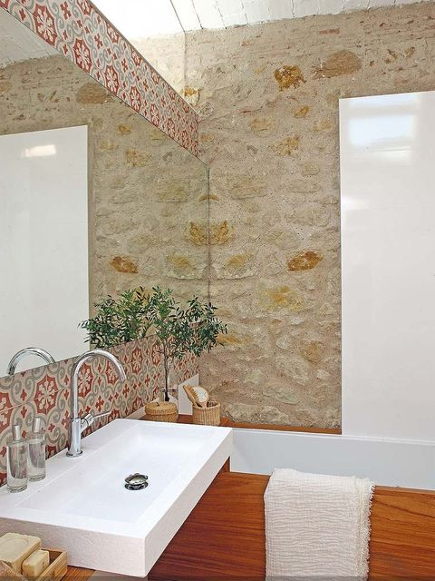 Interior design, Room, Wall, Ceiling, Interior design, Tile, Rectangle, Bathroom sink, Wallpaper, Tap,