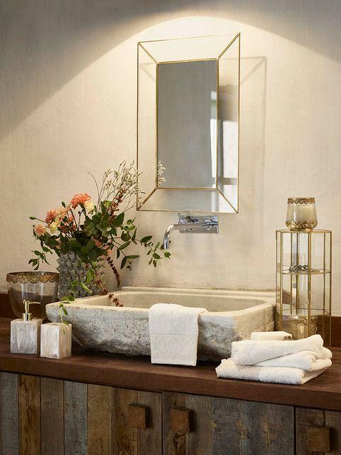 Room, Interior design, Wall, Flowerpot, Interior design, Mirror, Flower Arranging, Houseplant, Vase, Still life photography,