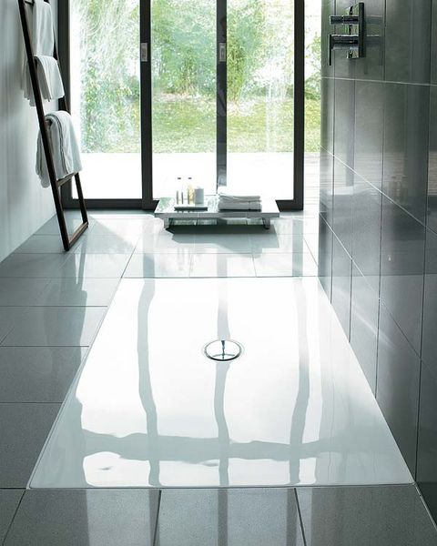 Floor, Glass, Flooring, Interior design, Tile, Transparent material, Fixture, Daylighting, Tile flooring, Reflection,