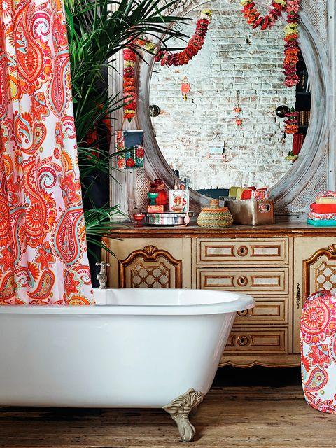Interior design, Room, Wall, Floor, Interior design, Plumbing fixture, Cabinetry, Bathtub, Drawer, Ceramic,