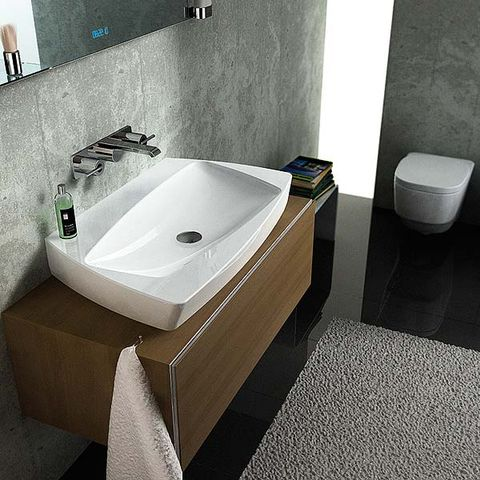 Bathroom, Bathroom sink, Plumbing fixture, Sink, Property, Toilet, Bathtub, Tap, Room, Floor,