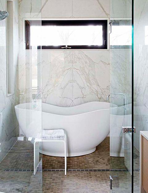 Los ba os peque os m s inspiradores for Fotos de cuartos de bano pequenos