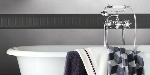 Product, Textile, White, Clothes hanger, Floor, Plumbing fixture, Black, Household supply, Bathtub, Grey,