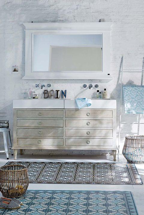 Mueble de lavabo restaurado