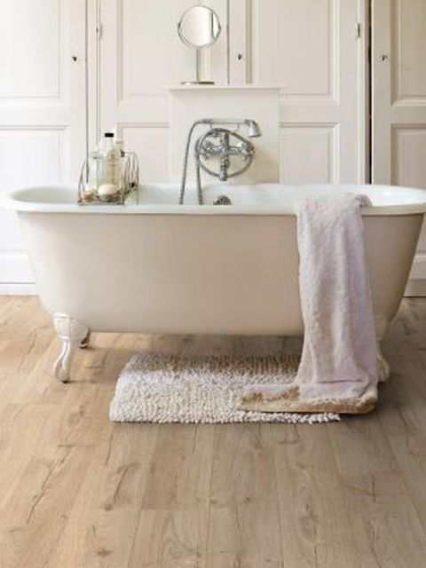 Floor, Bathroom, Wood flooring, Flooring, Tile, Room, Bathtub, Hardwood, Interior design, Laminate flooring,