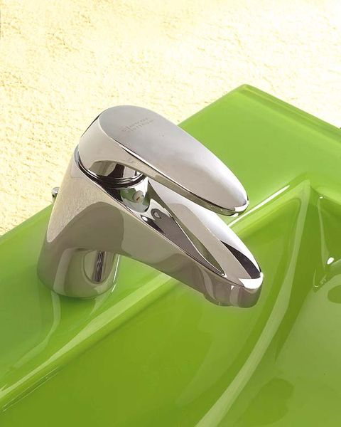Automotive design, Fender, Vehicle door, Material property, Gloss, Classic car, Hood, Classic, Silver, Office equipment,