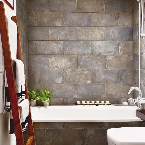 baño paredes con piedra natural