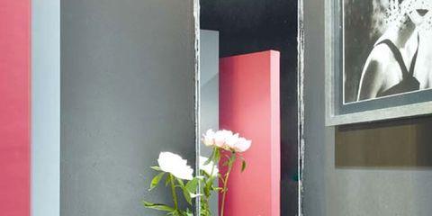Glass, Petal, Interior design, Vase, Flower Arranging, Centrepiece, Artifact, Cut flowers, Picture frame, Bouquet,