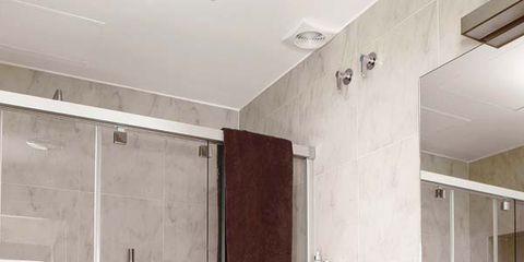 Ejemplos de cuartos de ba o con ducha y los planos for Bano bajo escalera planta