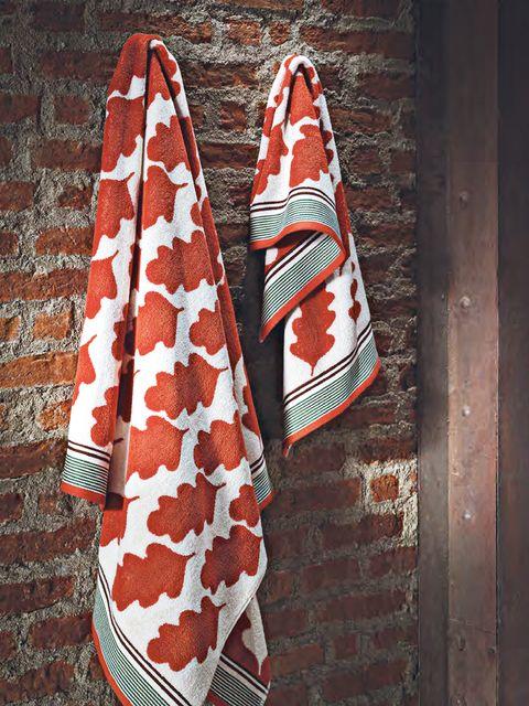 Textile, Red, Pattern, Carmine, Maroon, Christmas, Walking shoe, Pattern, Skate shoe, Craft,
