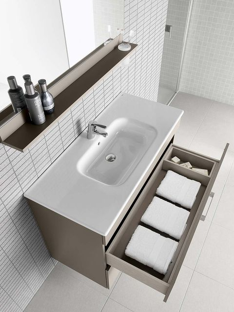 Plumbing fixture, Bathroom sink, Property, Architecture, Wall, Sink, Bathroom accessory, Tap, Tile, Rectangle,