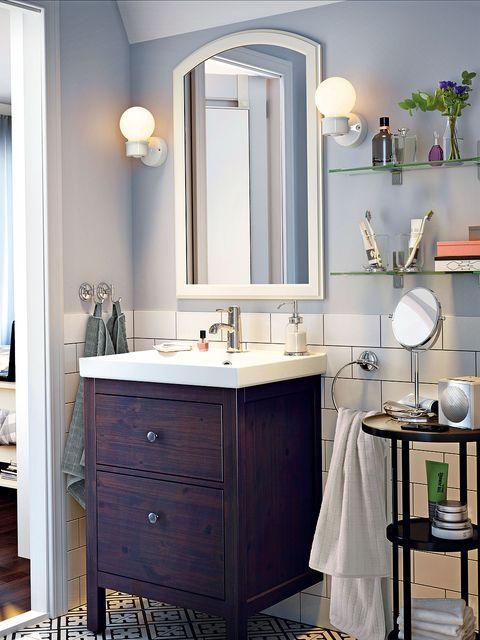 Bathroom, Bathroom cabinet, Room, Furniture, Sink, Interior design, Property, Bathroom accessory, Mirror, Lighting,