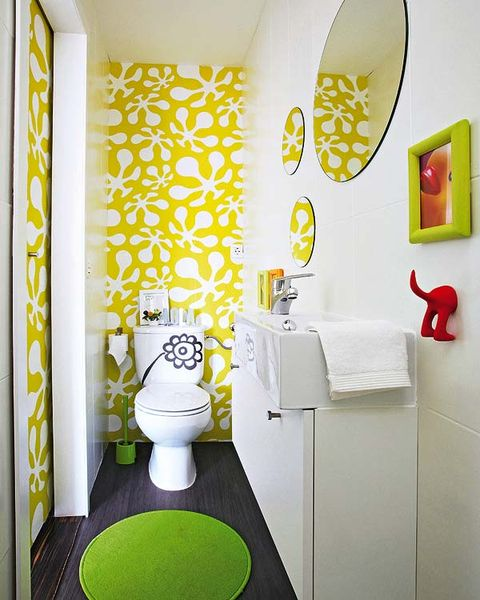 Yellow, Bathroom, Room, Green, Toilet, Interior design, Wall, Tile, Wallpaper, Plumbing fixture,