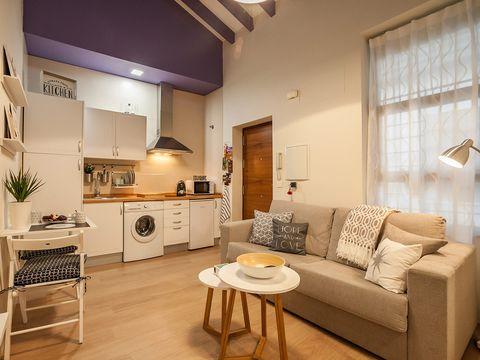 Room, Interior design, Lighting, Floor, Wood, Furniture, Flooring, Couch, Living room, Ceiling,