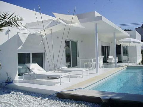 Swimming pool, Fluid, Property, Real estate, House, Shade, Sunlounger, Outdoor furniture, Roof, Home,