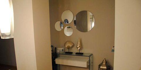 Lighting, Interior design, Room, Wall, Interior design, Lighting accessory, Lamp, Light fixture, Lampshade, Mirror,