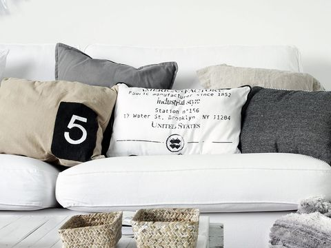 Throw pillow, Cushion, Pillow, White, Furniture, Couch, Room, Living room, Bedding, Black-and-white,