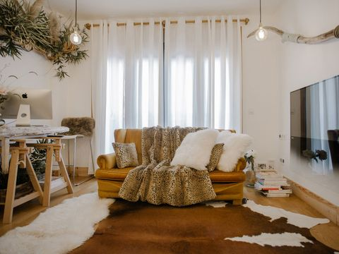 Room, Interior design, Brown, Wood, Floor, Flooring, Textile, Home, Furniture, Couch,