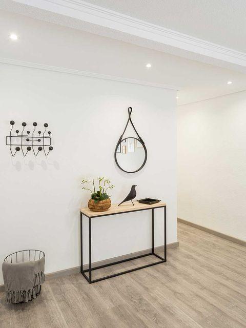Room, Wall, Interior design, Floor, Flooring, Ceiling, Wood flooring, Interior design, Light fixture, Laminate flooring,