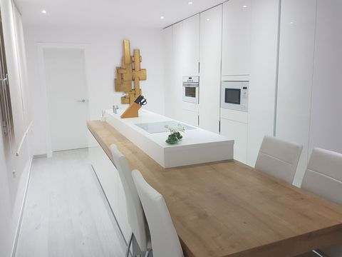 Room, Floor, Interior design, Property, Architecture, Flooring, Wall, Real estate, Plumbing fixture, Tap,