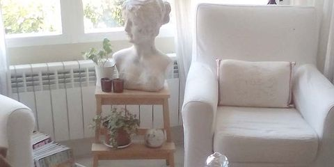 Interior design, Couch, Serveware, Interior design, Living room, Sculpture, Flowerpot, Houseplant, Pottery, Ceramic,