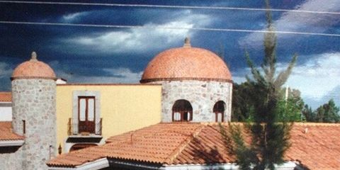 Roof, Dome, Real estate, Dome, Byzantine architecture, Holy places, Painting, Driveway, Palm tree, Place of worship,