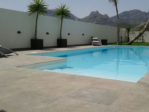 Swimming pool, Property, Tile, Flooring, Floor, Aqua, Azure, Arecales, Composite material, Resort,