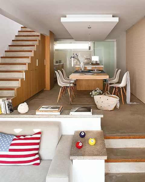 Room, Interior design, Living room, Furniture, Property, Building, Ceiling, House, Table, Home,