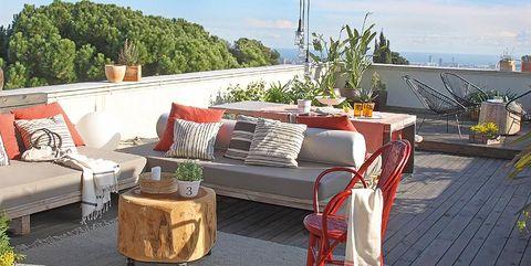 piso de 50 metros con gran terraza y vistas a barcelona