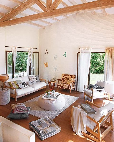 Room, Interior design, Wood, Floor, Furniture, Table, Home, Living room, Ceiling, Flooring,