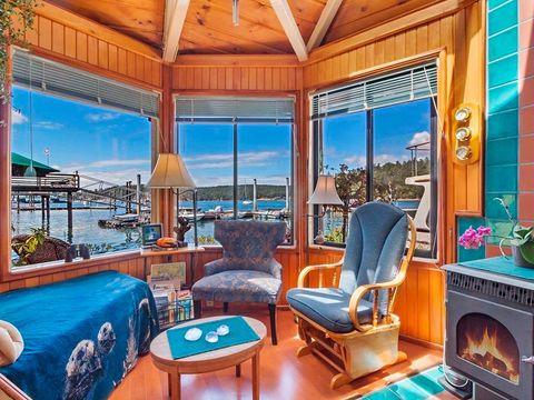 Property, Room, Real estate, Building, Furniture, House, Home, Estate, Resort, Interior design,