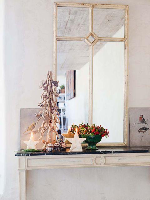 Flowerpot, Wall, Fixture, Interior design, Houseplant, Flower Arranging, Still life photography, Floral design, Vase, Artifact,