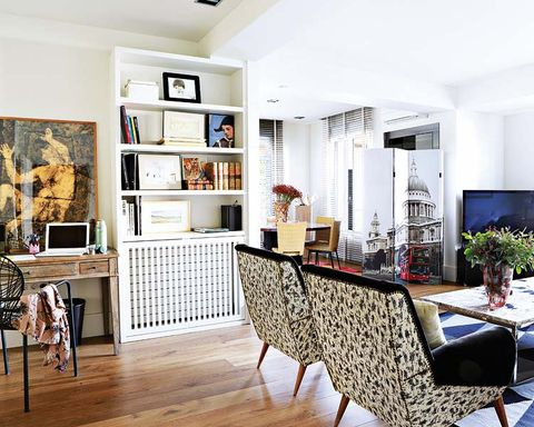 Wood, Interior design, Floor, Room, Flooring, Furniture, Hardwood, Wood flooring, Wall, Ceiling,