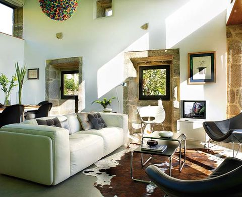Green, Interior design, Room, Floor, Living room, Wall, Home, Furniture, Couch, Ceiling,