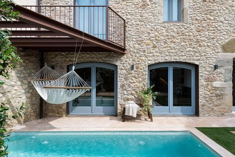 Property, Real estate, Swimming pool, House, Fixture, Door, Aqua, Composite material, Home, Courtyard,