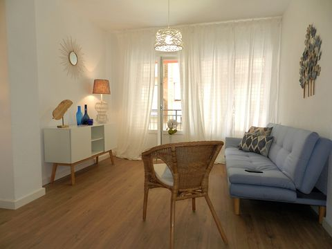 Room, Floor, Interior design, Furniture, Wood flooring, Property, Living room, Laminate flooring, Hardwood, Building,
