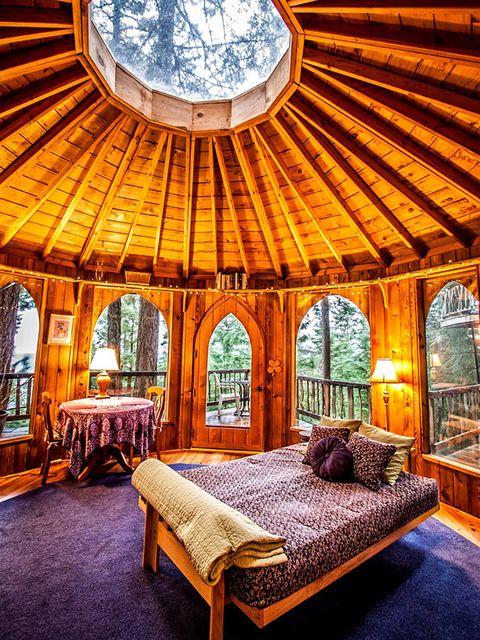 Bedroom, Room, Building, Ceiling, Property, Furniture, Interior design, Bed, Real estate, Estate,